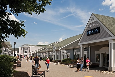 e65e6b2bf Woodbury Commons Premium Outlets. The experience